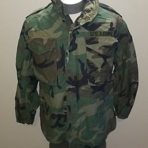ARMY JACKET CAMOUFLAGE SZ SMALL SHORT.